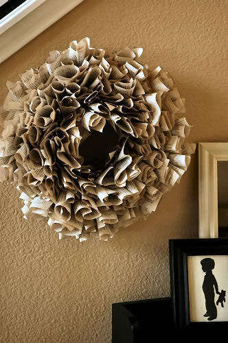 book_wreath_rect540